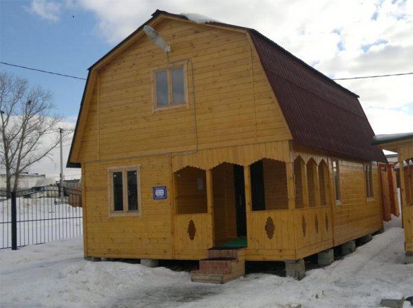Дачный дом со свайным фундаментом