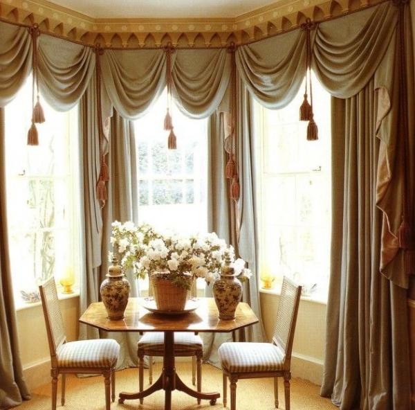 Длинные шторы для узкого окна