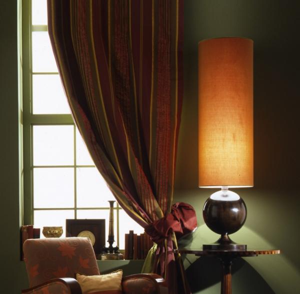 Сочетание цвета штор с мебелью и декором
