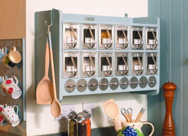 Подвесной шкафчик для хранения круп и макарон