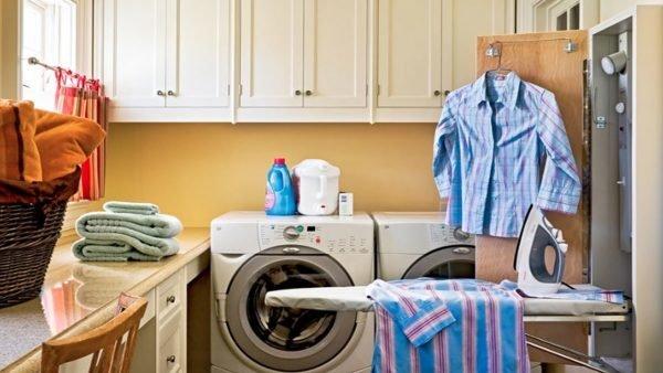Гладильная доска в гардеробной