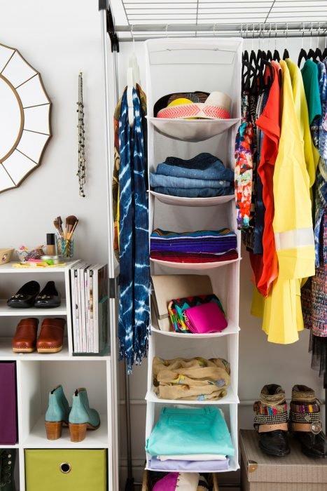 как разместить вещи в маленьком шкафу