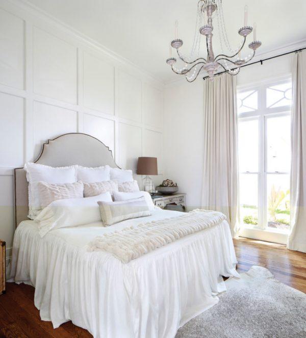 дизайн штор в белую спальню