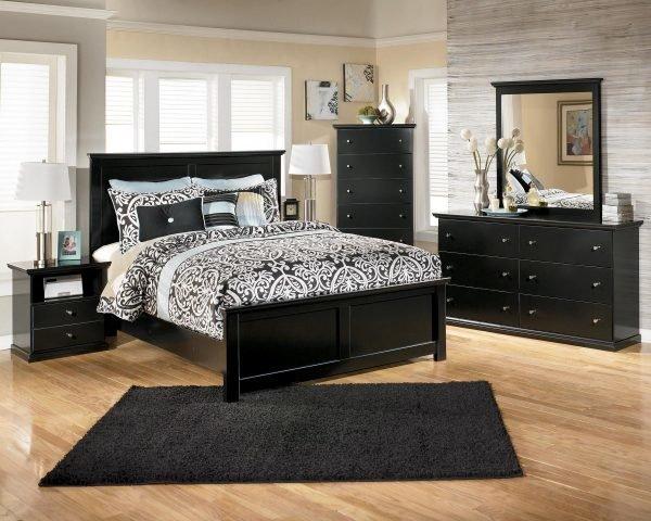 Спальня в чёрно-песочном цвете