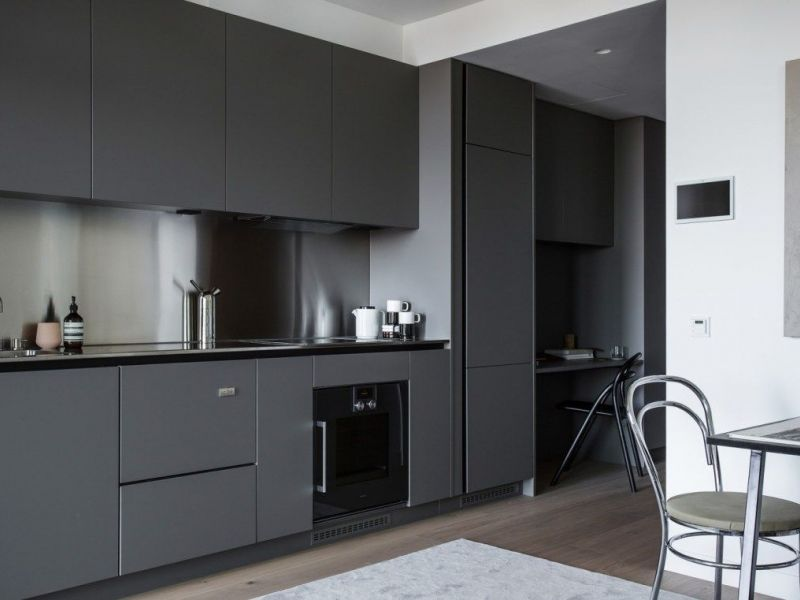 Стильные кухни серого цвета в интерьере: примеры на фото