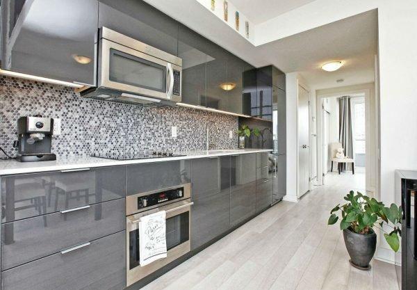 Кухня в серой цветовой гамме
