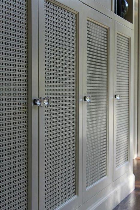 Шкаф с перфорацией