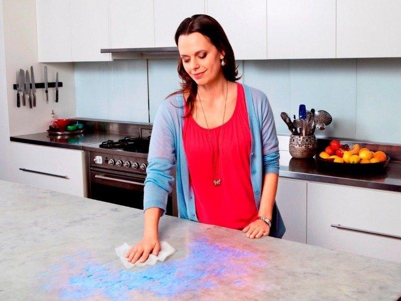 6 вещей, которые ежедневно губят кухонную столешницу